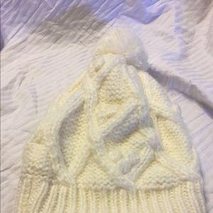 NWOT- white knit Hat